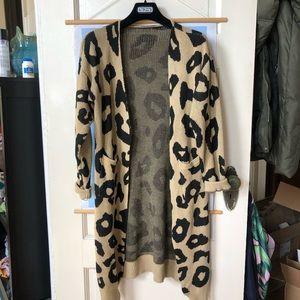 Sweaters - Leopard long cardigan